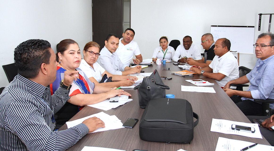Gobernación de Bolívar se compromete a adelantar programas de formación para docentes oficiales del departamento