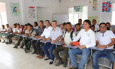 Gobiernación de Bolívar dotó con 300 sillas colegio de Tacamocho