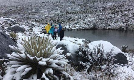 Luego de 20 años vuelve a nevar en la Sierra Nevada de Guican El Cocuy, Boyacá