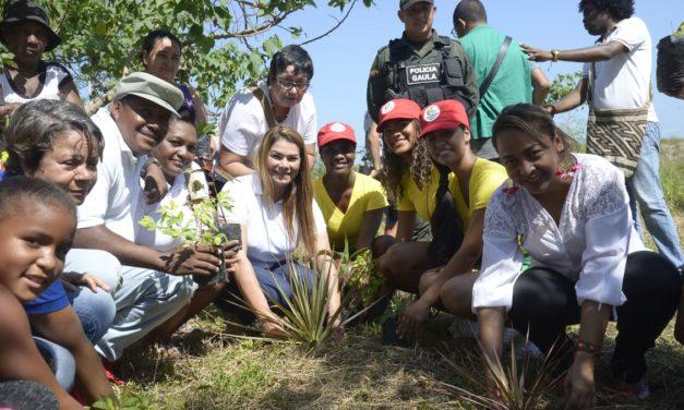Líderes y Gestora Social Eliana Bustillo conmemoraron Día de la Eliminación de la Violencia Contra la Mujer