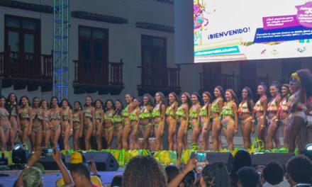 ¡El destape! Desfile en traje de baño del Reinado de la Independencia