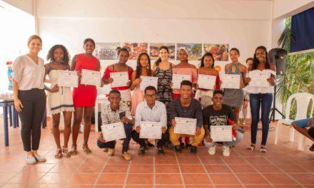 """Becas universitarias """"Carlos Haime Baruch y Marlene Haime"""" se otorgan a jóvenes de la zona norte de Cartagena"""