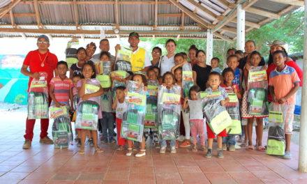 """Gobierno del """"Bolívar SÍ Avanza"""" entregó 300 kits escolaresa niños y niñas del corregimiento de Macayepos,en El Carmen de Bolívar"""