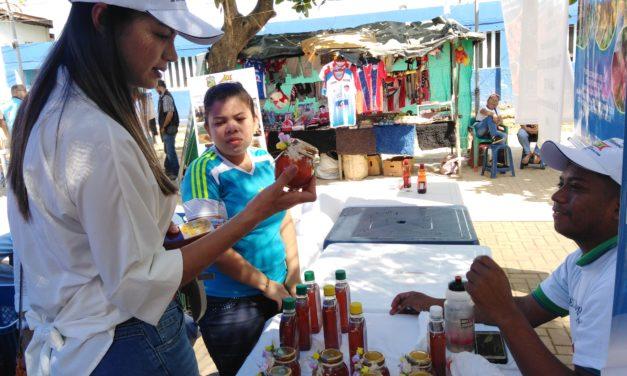 Mercados campesinos con productos cosechados en tierras restituidas