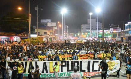 Estudiantes manifiestan su rechazo a aumento de la tarifa de Transcaribe