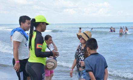 Salvavidas siguen atendiendo en Cartagena