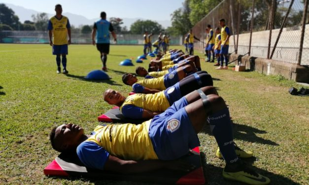 Real Cartagena entrena a doble jornada en Medellín