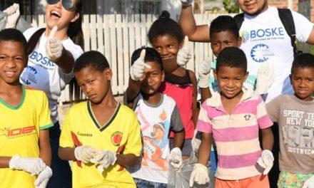 Jovenes Intervienen Parque San Rafael en Bayunca