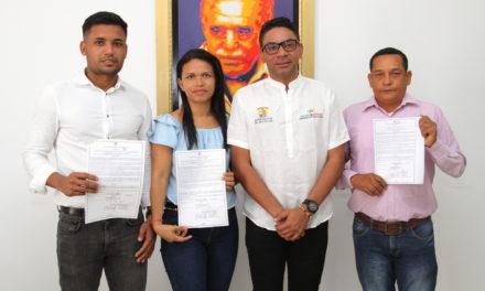"""Gobierno del """"Bolívar Sí Avanza"""" nombró tres nuevos docentes para Montecristo"""