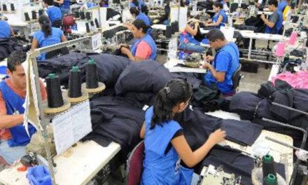 Aprobado en primer debate del PND 37% de aranceles a importaciones