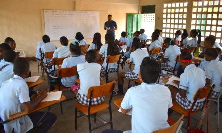 """Gobierno del """"Bolívar Sí Avanza"""" financiará300 becas de maestría a docentes del Departamento"""