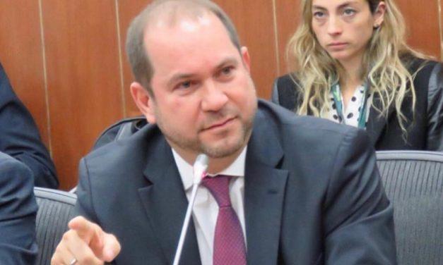 """""""No más impuestos, más eficiencia en la  administración de los recursos del Estado"""": Lidio García Turbay"""