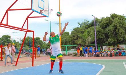 Regidor le cumplió a más de 500 maestros con los 'Juegos y encuentro cultural del Magisterio'