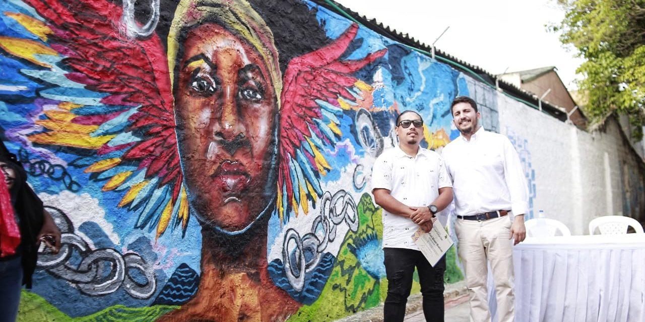 Mural en homenaje a víctimas de violencia sexual