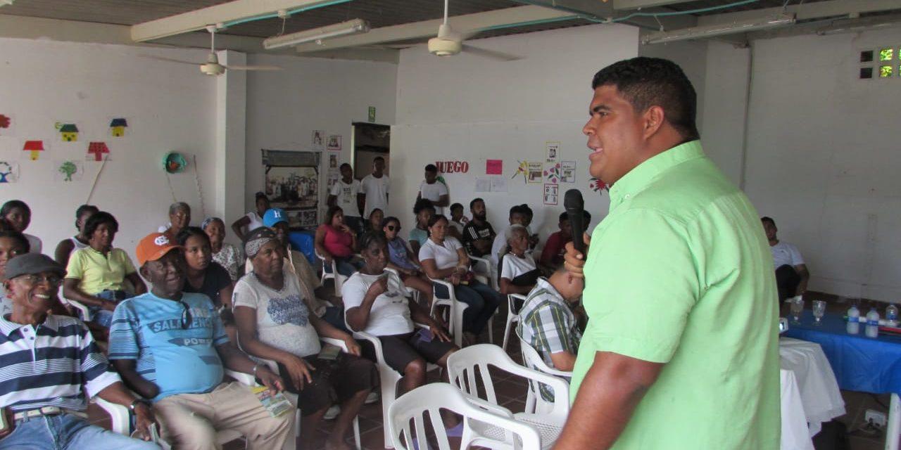 'El man de las chambaculeras' da a conocer su proyecto en Punta Canoa
