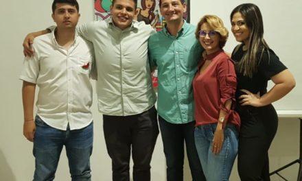 Bolivarense Positivo: Mónica Cruz embelesa más corazones que rostros