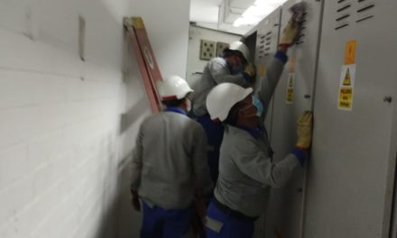 Personal de Electricaribe repara daño en subestación Bocagrsnde