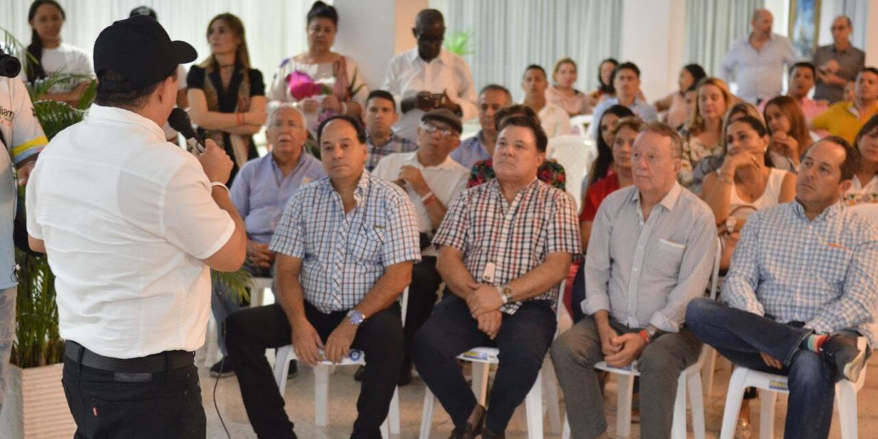William García se reúne con miembros del sector privado en Cartagena