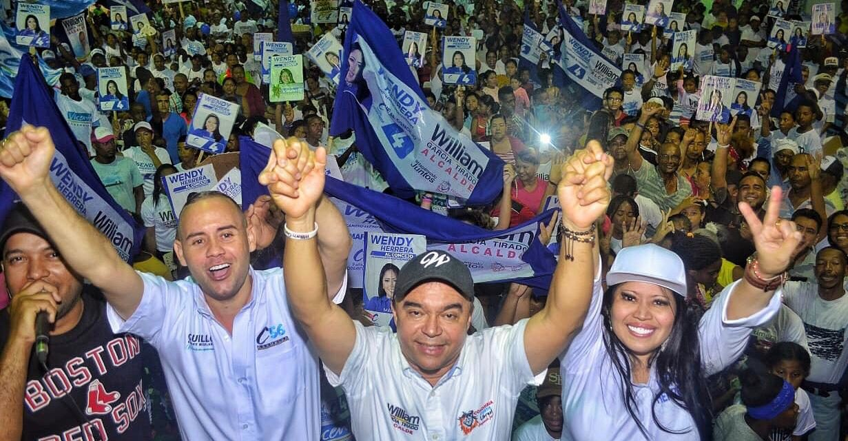 Wendy Herrera y Guillermo Gómez, taquearon el Napoleón Perea