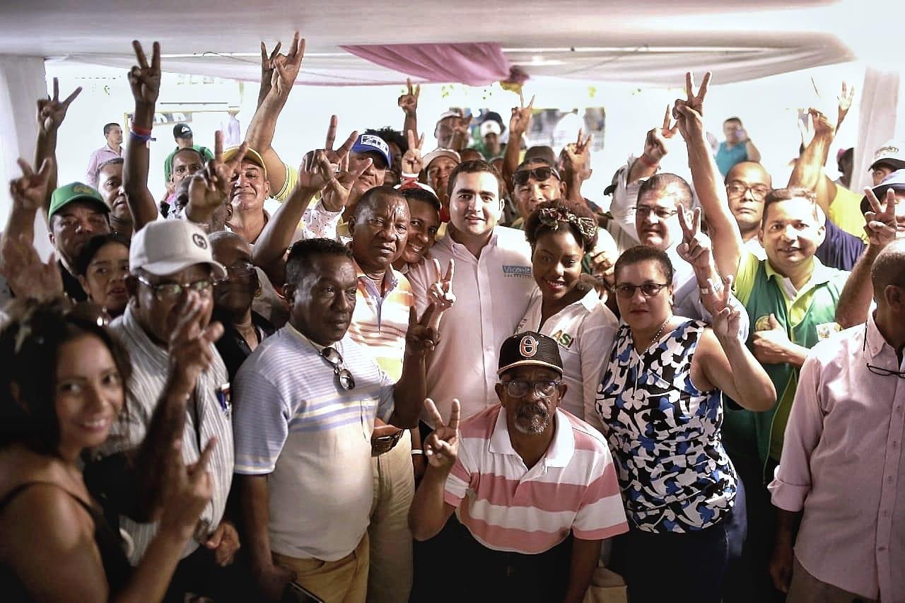 Líderes comunales de Cartagena firmes con Vicentico Blel a la Gobernación