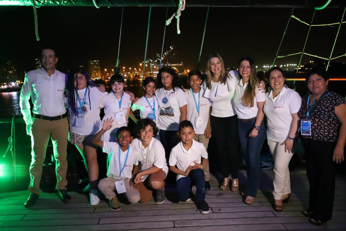 Premios a los ganadores del programa Alrededor de Iberoámerica