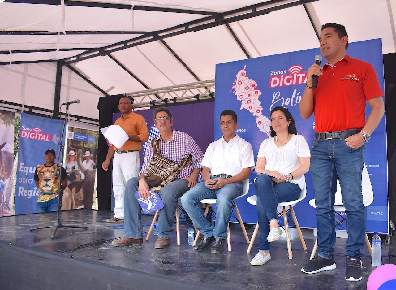 Ministra de las TICS activó 35 zonas digitales en el departamento de Bolívar
