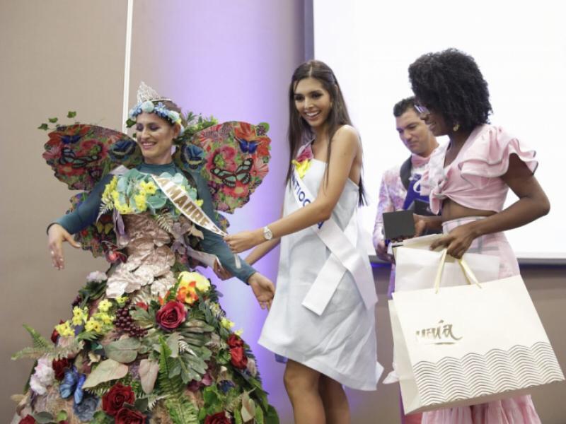 Madre de Señorita Antioquia ganó premio a  Reina Madre