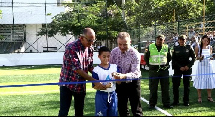 Barrio Alto Bosque estrena cancha deportiva