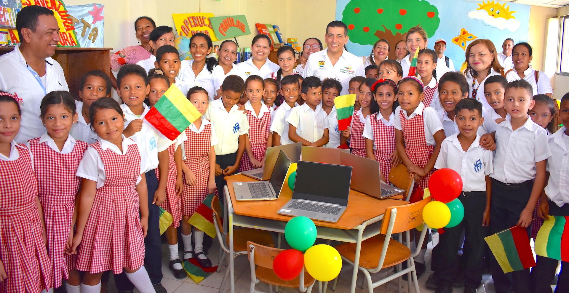 Secretaría de Educación de Bolívar dispone de 1.200 computadores para docentes beneficiados con la estrategia INNOVATIC