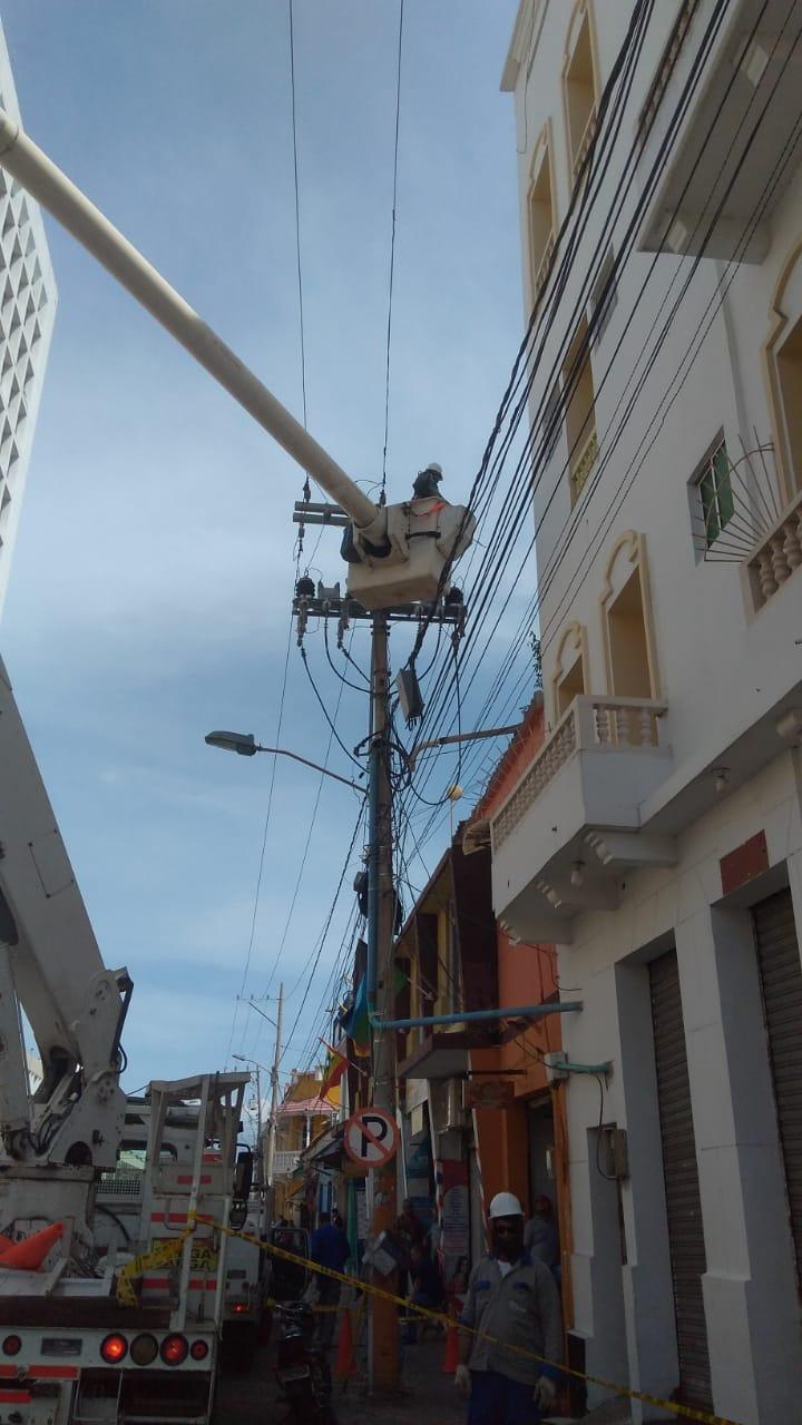 Continúa plan de mejoras eléctricas en el Centro