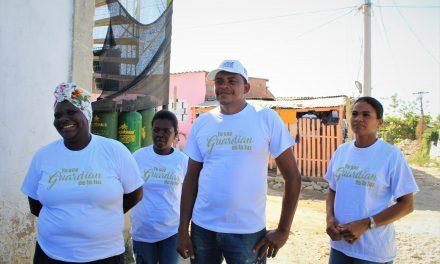 Tierra Grata llevó alumbrado público al barrio Isla de León