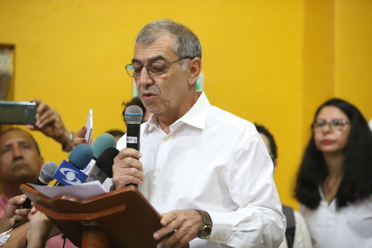 William Dau en son de paz en la posesión de los nuevos Concejales de Cartagena