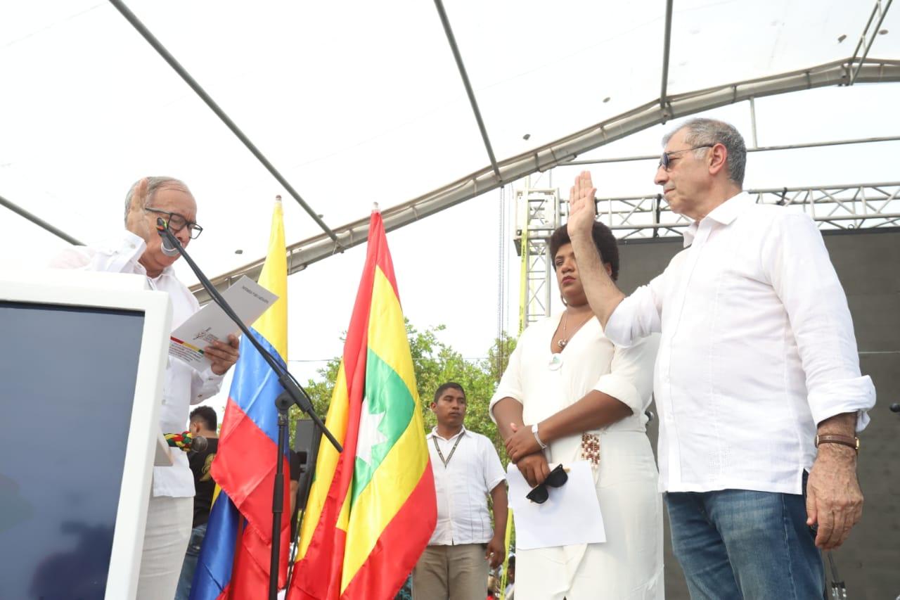 William Dau se posesionó como Alcalde de Cartagena en la Perimetral