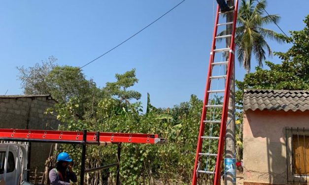 AGM Desarrollos SAS dona 50 luminarias para alumbrado público de Palenque