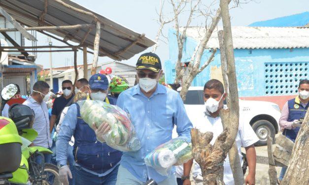 Alcaldía de Cartagena entregó ayuda humanitaria en Villa Gloria