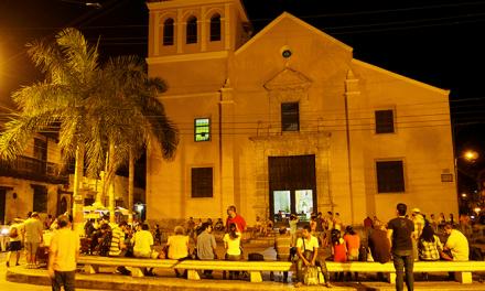 Se prohíbe consumo de bebidas embriagantes en la Plaza de la Trinidad
