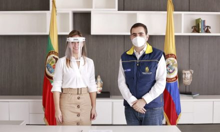 Gobernador Blel posesiona a Verónica Monterrosa como nueva secretaria de Educación