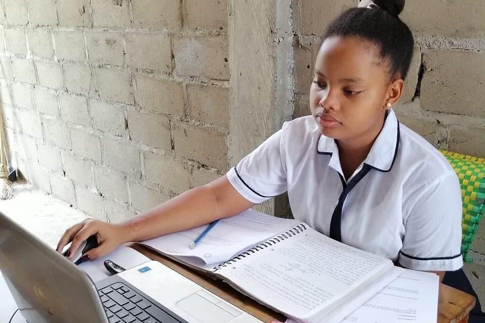 Gobernación de Bolívar garantiza herramienta pedagógica para clases no presenciales en colegios oficiales