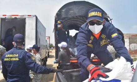 Armada de Colombia apoya en la entrega de ayudas Humanitarias en Cartagena