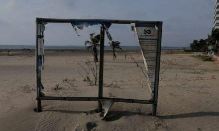 Playa Azul La Boquilla, en malas condiciones