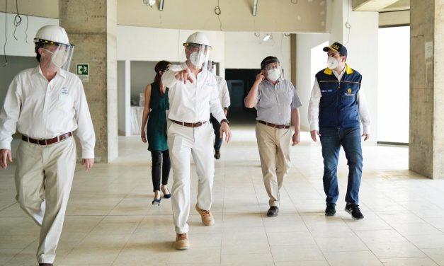 Ministro de Salud evalúa gestión del gobierno del Bolívar Primero frente a crisis sanitaria