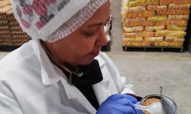 Inspección a paquetes nutricionales entregados a estudiantes