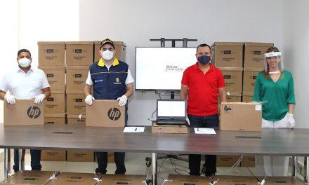 Bolívar Primero entregó 109 computadores para las comunidades educativas de los municipios de Achí y Hatillo de Loba