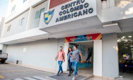 Unicolombo amplía su programa de becas