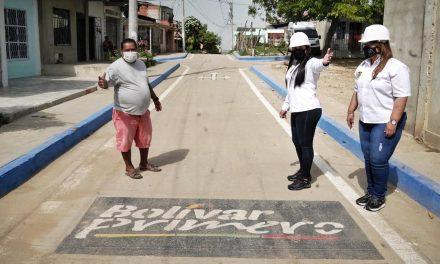 Gobernación de Bolívar entrega calle en el barrio La Sierrita