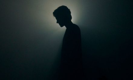 Santiago Peña estrena el vídeoclip de 'Cuando El Amor Se Apaga'