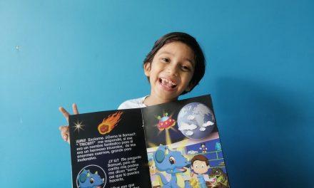 Estudiante de 7 años escribe su primer libro gráfico