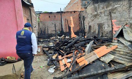 Gestión del Riesgo autoriza benefios a familias víctimas de incendio