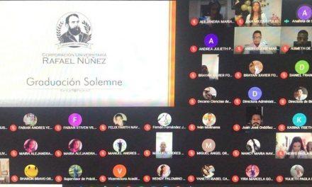 La Universidad Rafael Nuñez otorgó el título de médicos a 43 estudiantes en ceremonia virtual
