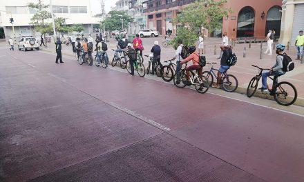 Surtigas lidera jornada de seguridad vial para bici usuarios y motociclistas en Cartagena